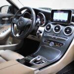 Mercedes C220 med hvis læderkabine set indefra