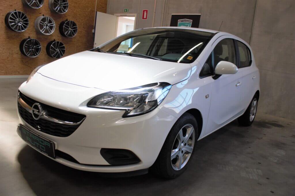 Hvid Opel Corsa kan købes hos Strada Auto
