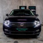 Sort VW Passat set forfra