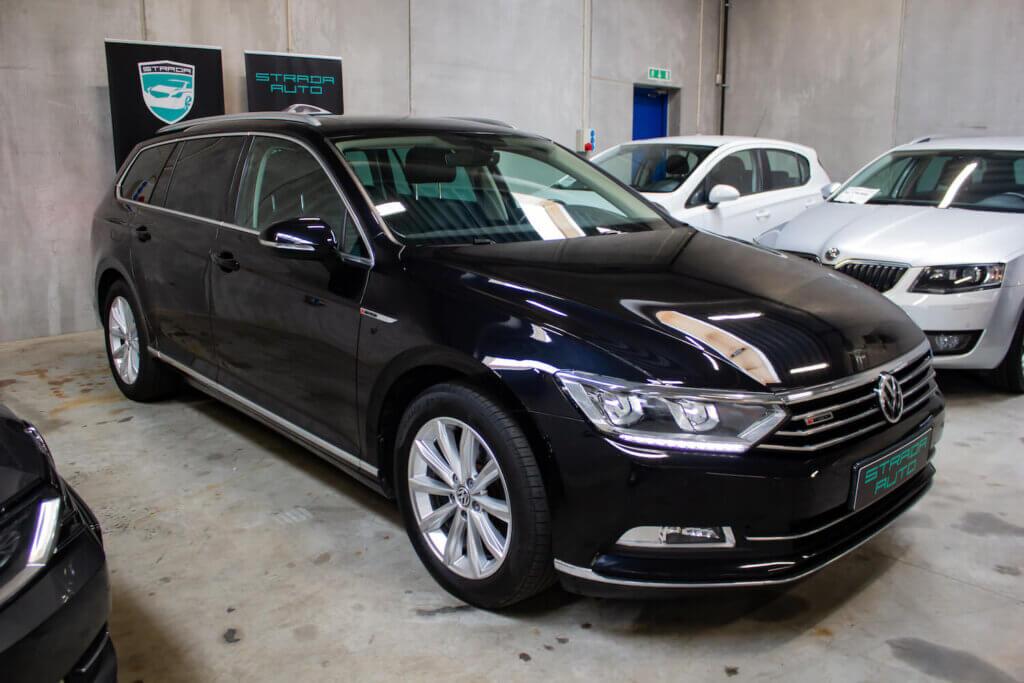 VW Passat i sort